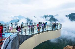 云阳龙缸、云端廊桥、张飞庙、万州大瀑布双汽2日游
