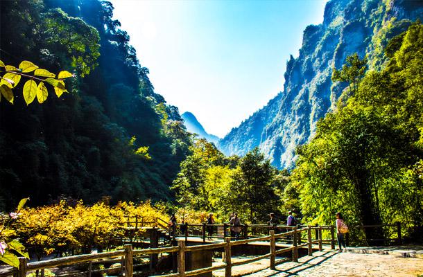 万盛黑山谷、神龙峡(漂流)2日游
