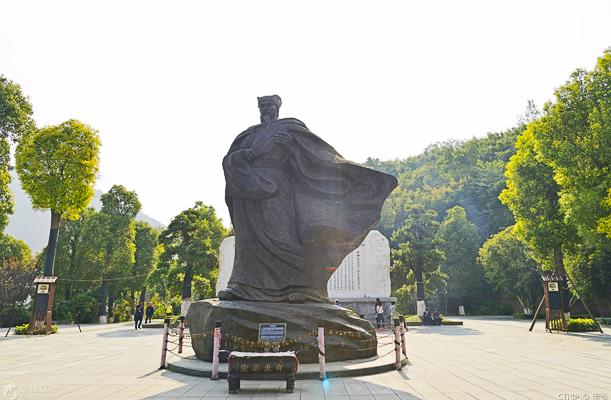 长江三峡深度揽胜四日游(上水:宜昌-万州-重庆)