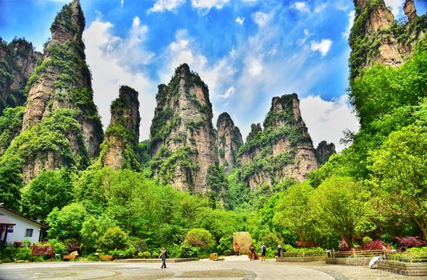 【臻品】张家界森林公园、天门山、玻璃桥、凤凰古城、恩施女儿城纯玩双动5日游