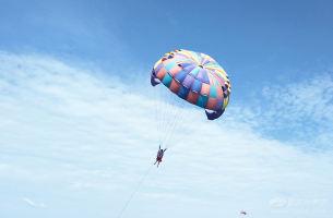 曼谷芭提雅+月光岛+格兰岛品质6日游(亚航白班机+3个购物点)