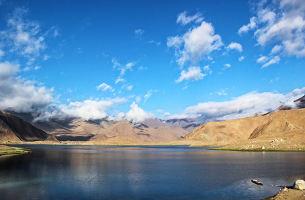 【0自费0购物】新疆库尔勒、天山大峡谷、喀什、卡拉库里湖三飞8日游